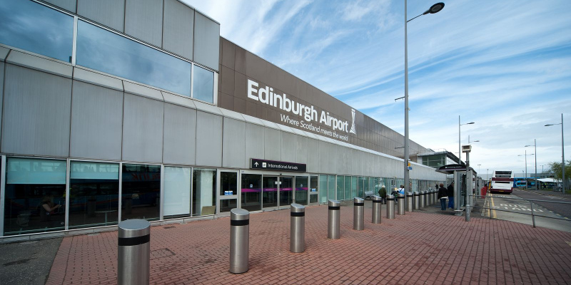 Taxi from Edinburgh Airport to the City Centre