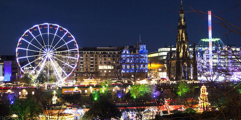 Hogmanay Taxis in Edinburgh - Book in Advance
