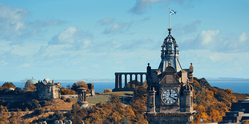 Enjoy Edinburgh's Winter Activities by Taxi